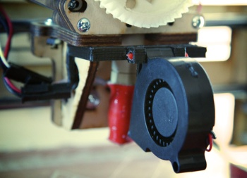 photo of the blower fan mounted to the Printrbot+ extruder